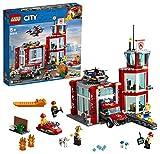 LEGO CityFire CasermadeiPompieri, Set di Costruzioni con Fuoristrada Giocattolo, Scooter Acquatico, Drone e 3 Minifigure di Vigili del Fuoco più un Mattoncino Luminoso e Sonoro, 60215
